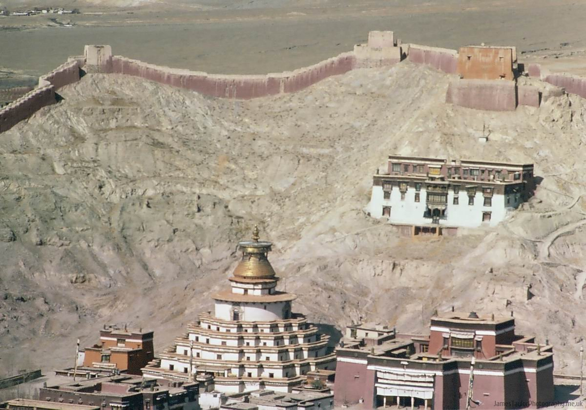 travel-gyantse-temple