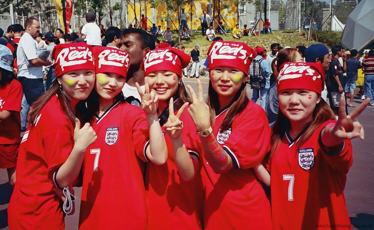 football-korea-beckham-girls-2